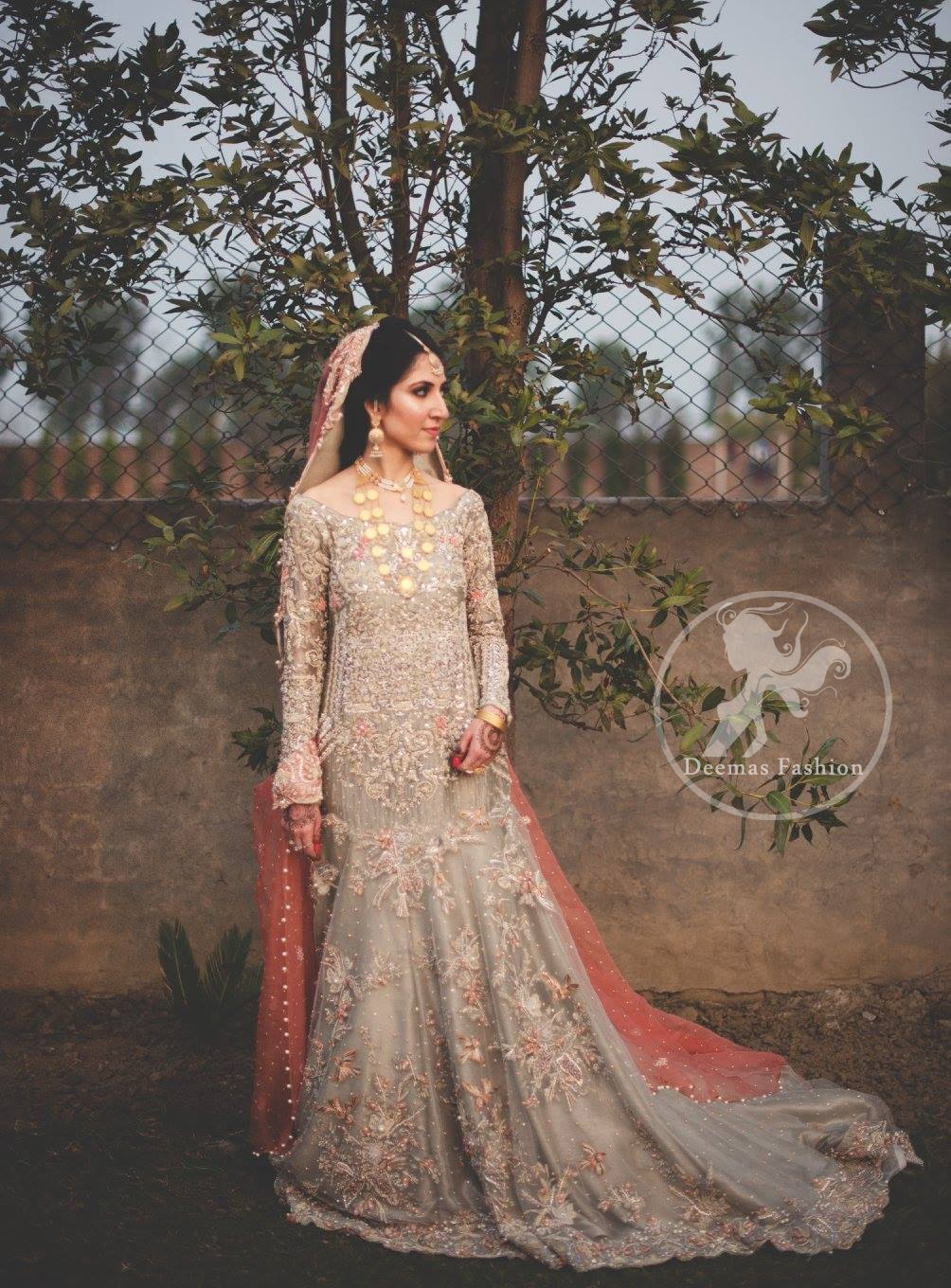 Light-Fawn-Back-Trail-Bridal-Maxi-Peach-Dupatta