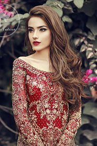 Deep-Red-Fully-Embroidered-Shirt-Back-Trail-Lehenga-Bridal-Dupatta (2)