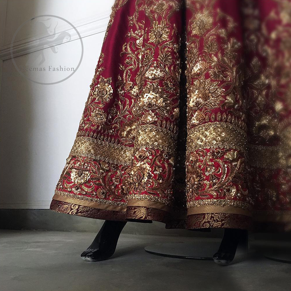 This outfit is meticulously highlighted with antique shaded kora dabka, tilla, sequins and swarovski. This dress is beautifully sculptured with floral embroidery. Shirt is fully embellished. It is artistically coordinated with embellished lehenga. Lehenga is enhanced with embroidered border and applique. It comes with chiffon dupatta, having four sided embellished border and sprinkled with sequins all over it.