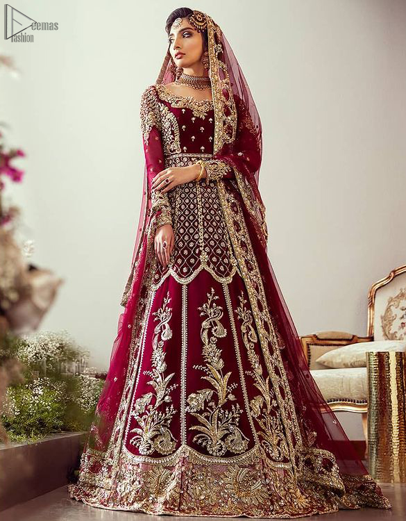 The pishwas is fully decorated with geometric patterns, floral bootis and tea rose embroidered appliqued bottom. It is paired with an ethereal bridal dupatta focusing on kora and dabka handwork borders on all four sides, finishing with scattered tiny floral motifs on the ground.