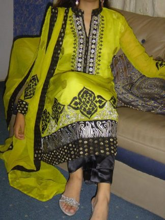 Pakistani Fashion Casual Dress 2011 - Green & Balck Designer Wear